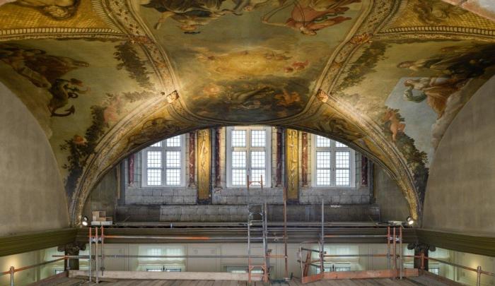 Afbeelding Werkbezoek Restauratie gewelfschilderingen en goudleerbehang stadhuis Maastricht